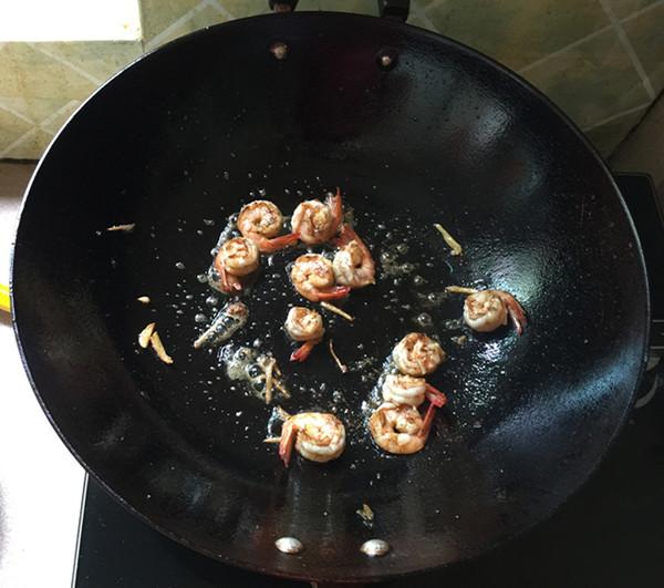 虾仁辣白菜炒饭怎么煮
