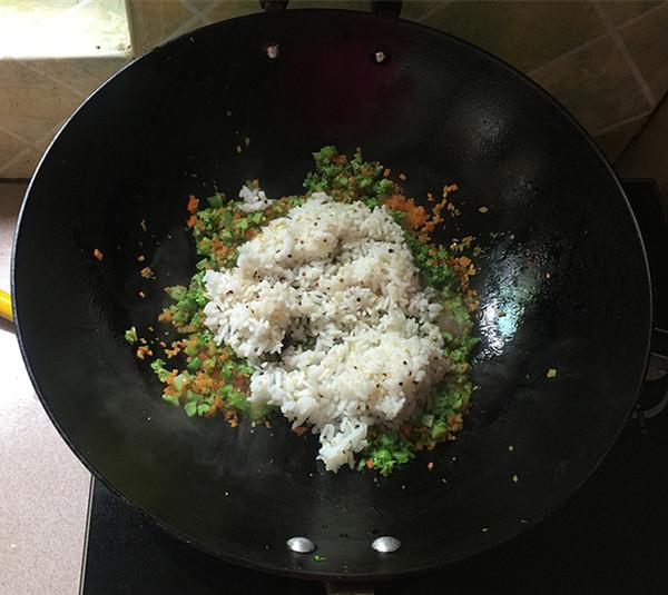 明太鱼籽海苔饭团怎么炖