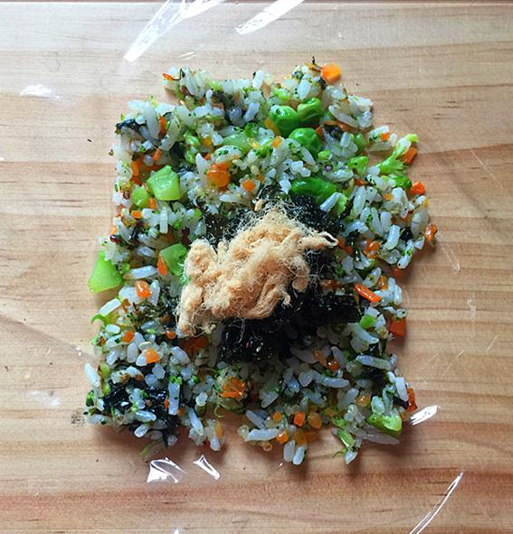 明太鱼籽海苔饭团怎样炒