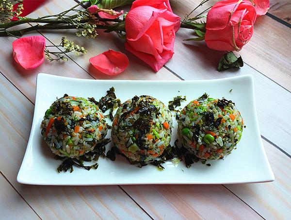 明太鱼籽海苔饭团怎样炖