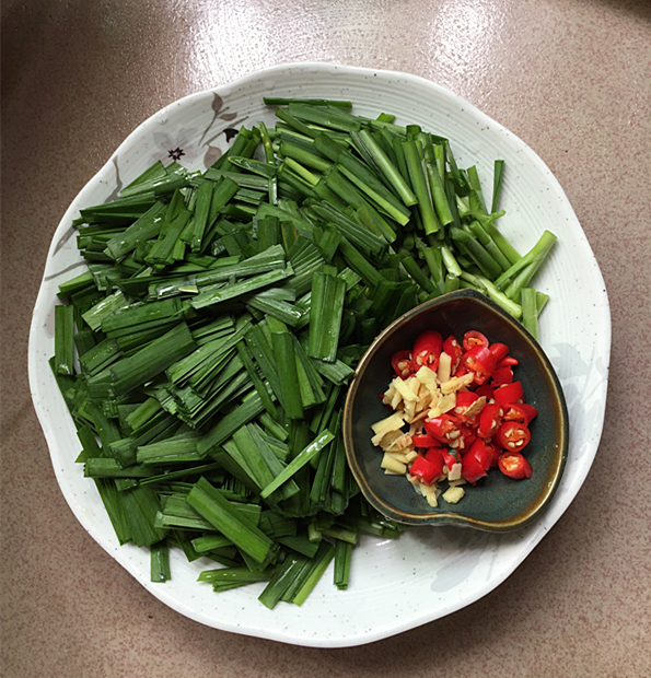 韭菜小河虾的简单做法