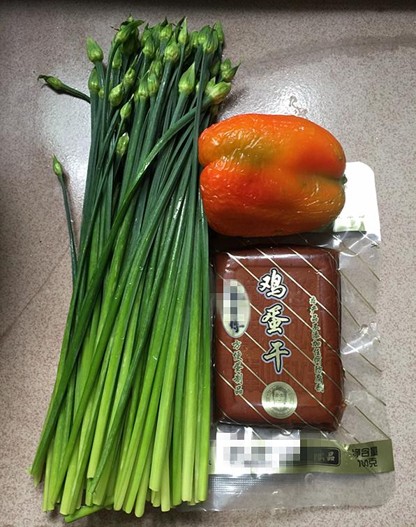 韭菜苔炒鸡蛋干的做法大全