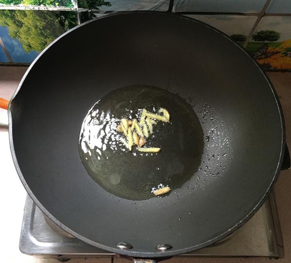 韭菜苔炒鸡蛋干的家常做法