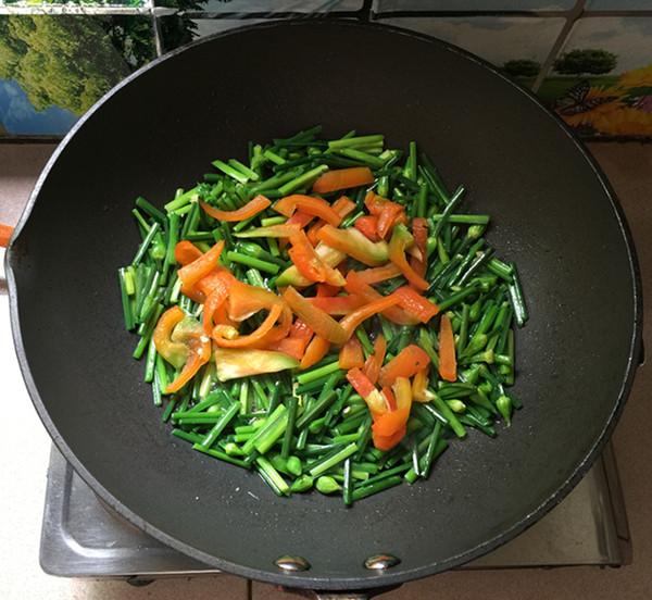 韭菜苔炒鸡蛋干怎么吃