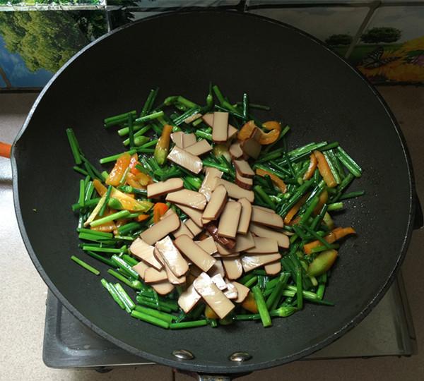 韭菜苔炒鸡蛋干怎么煮