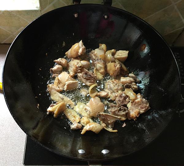 熏豆干焖烧鸡块怎么吃