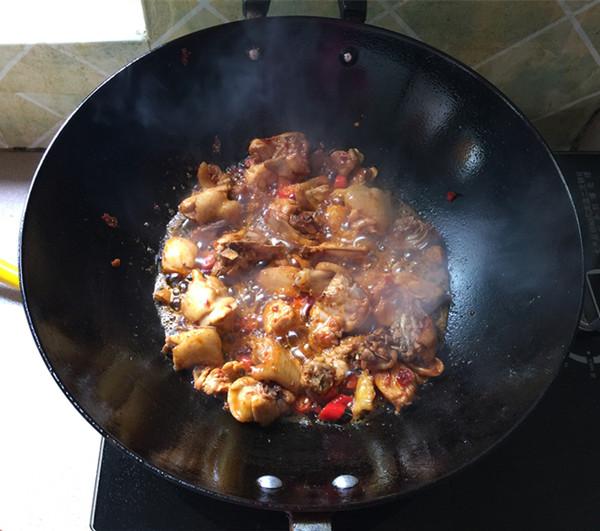 熏豆干焖烧鸡块怎么炒