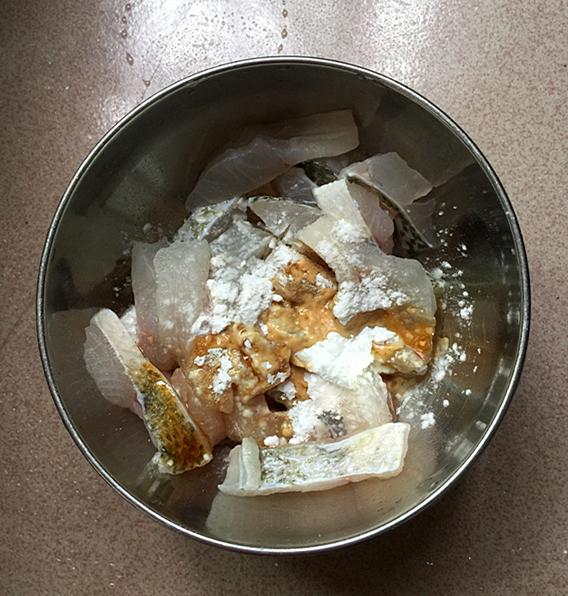 酸菜鲈鱼的简单做法