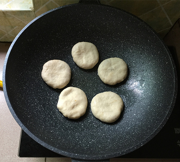 酸菜猪肉馅饼怎样煮