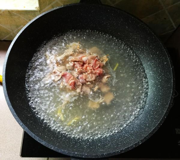 枸杞叶滚猪杂汤怎么炒