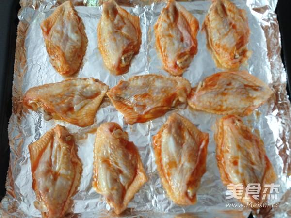 新奥尔良烤鸡翅怎么吃
