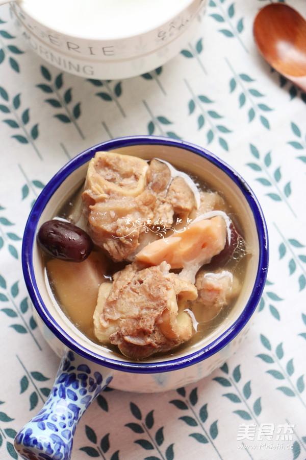 莲藕筒骨汤的制作