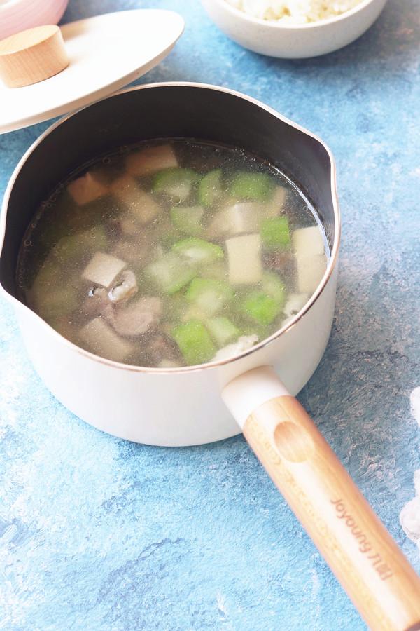 丝瓜香菇肉片汤怎样炒