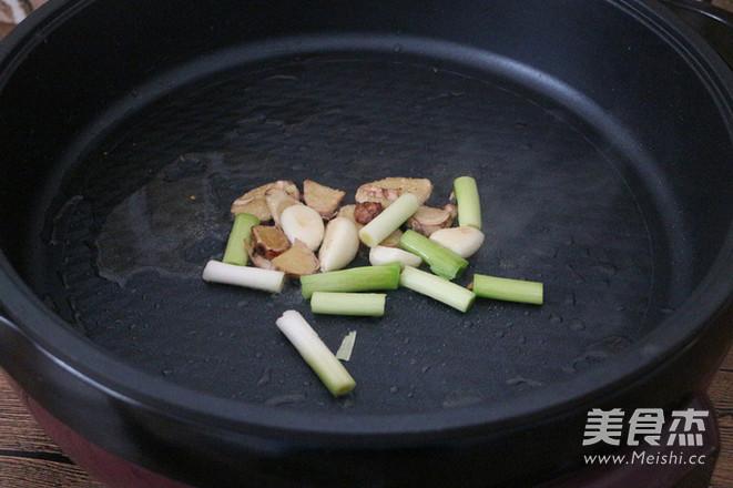 麻辣酸菜鱼片火锅怎么吃