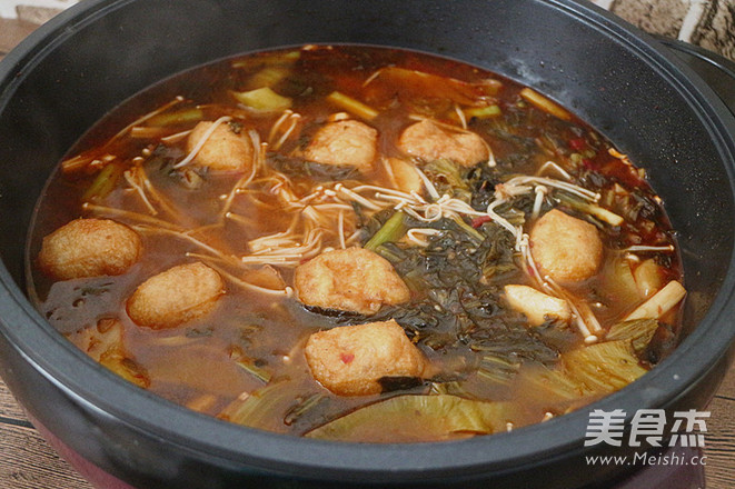 麻辣酸菜鱼片火锅怎么煸