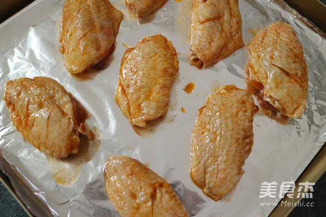 奥尔良烤鸡翅怎么吃