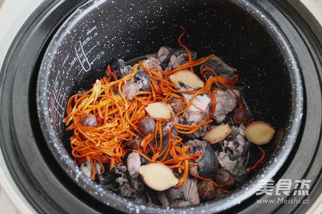 虫草花乌鸡汤的简单做法