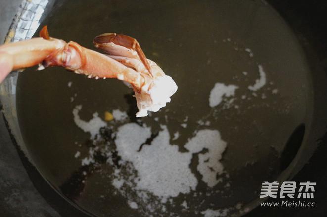 吮指香辣蟹的步骤