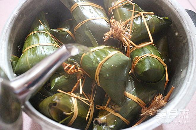 板栗肉粽的制作