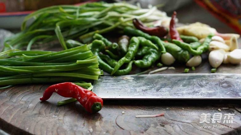 新鲜山棠菌炒肉的做法图解