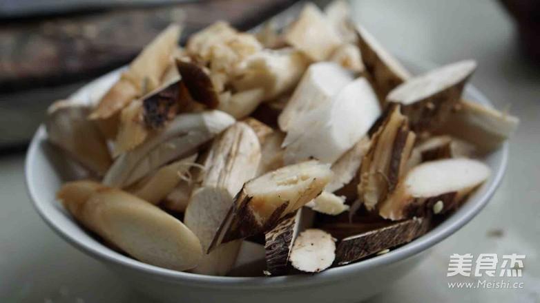 新鲜山棠菌炒肉的简单做法
