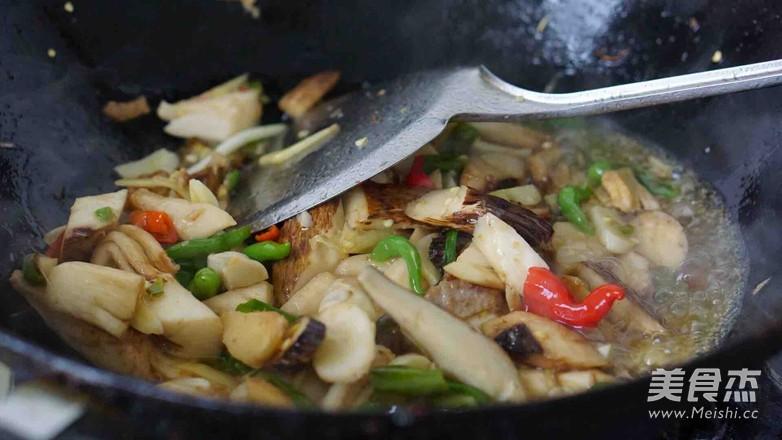新鲜山棠菌炒肉怎么炒