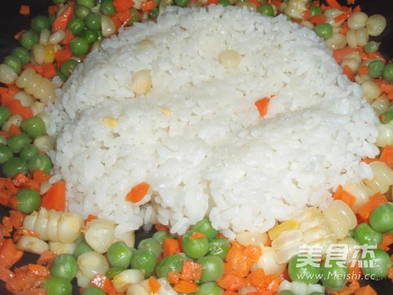 广式香肠炒饭便当怎么煮