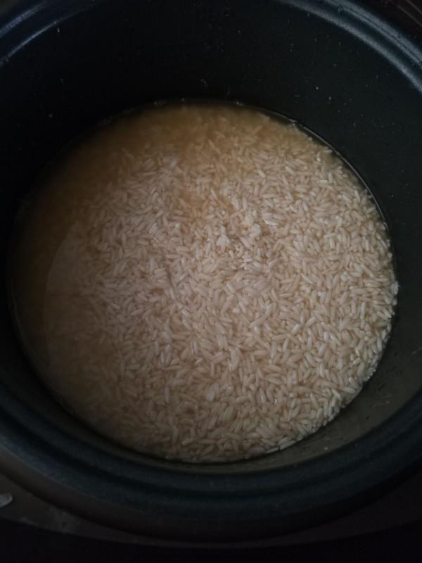 香肠香菇烧麦的步骤
