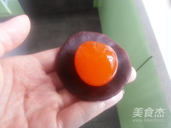 纯天然彩虹蛋黄酥的简单做法