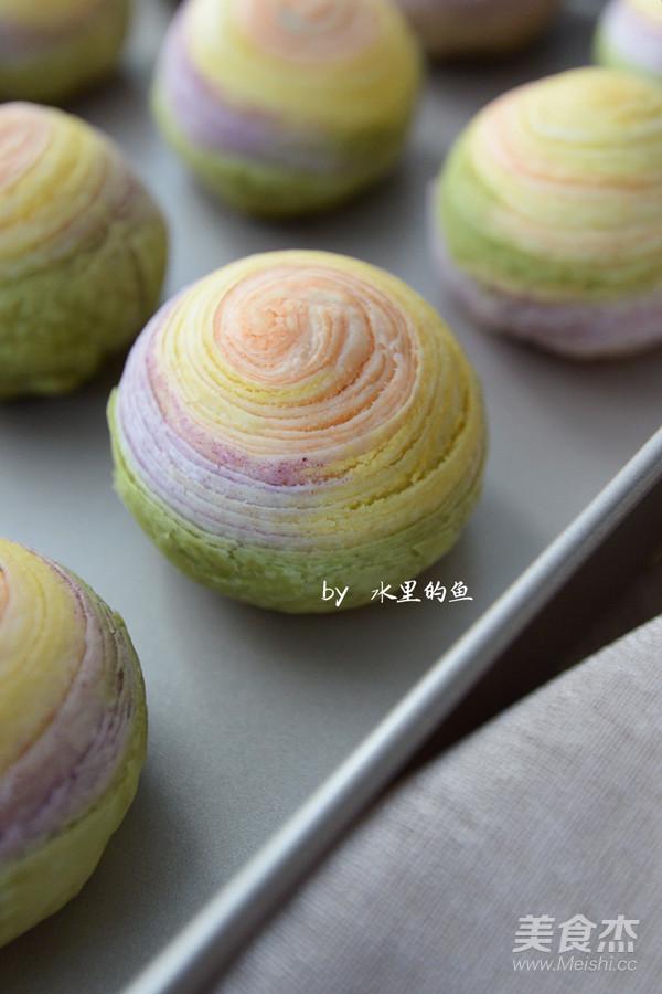 纯天然彩虹蛋黄酥的制作
