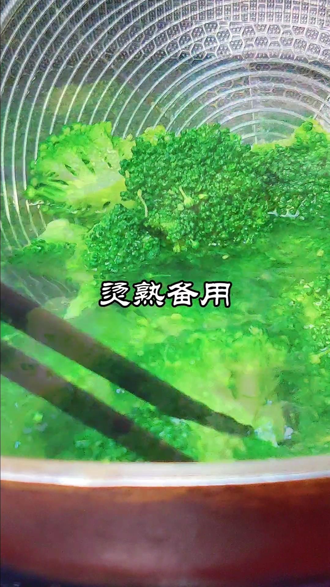 虾仁蛋滑西蓝花的做法图解