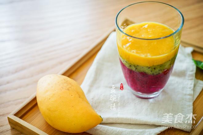 彩虹果汁成品图