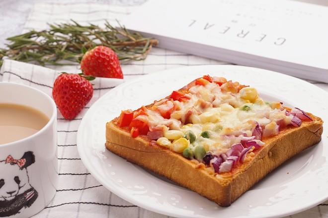 彩虹吐司披萨 | 孟琬晴成品图