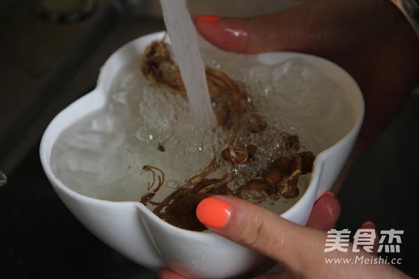 姬松茸茶树菇鸡汤的做法图解