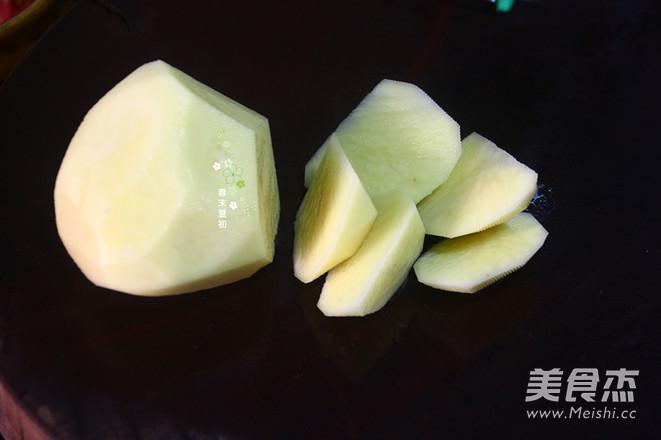 土豆西红柿炖牛腩的家常做法