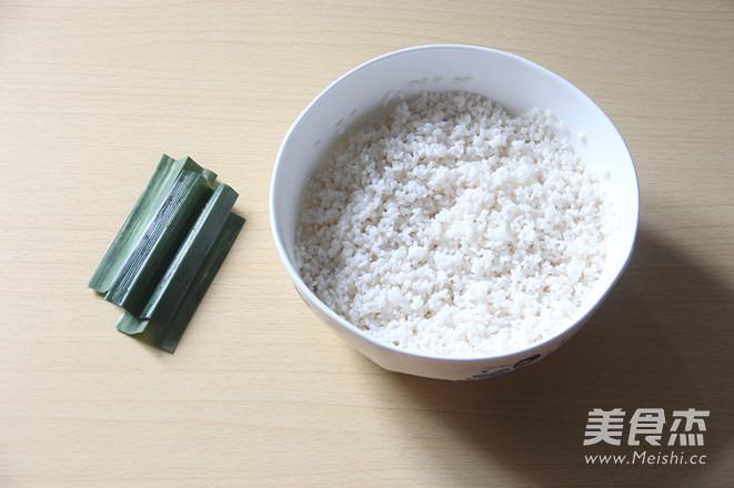电饭锅版芒果糯米饭的家常做法