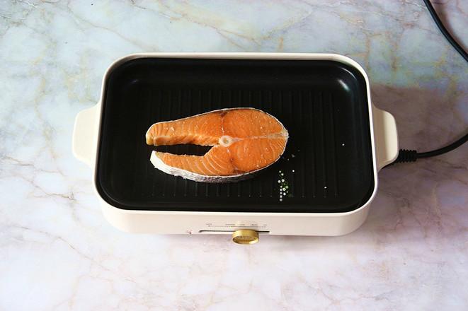 盐煎三文鱼扒的步骤