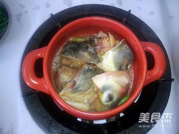 砂锅鱼头的简单做法