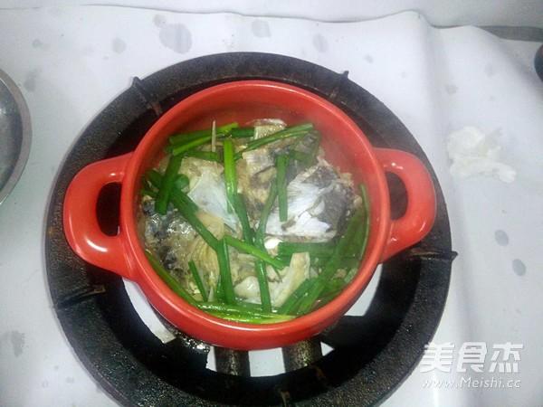 砂锅鱼头怎么吃