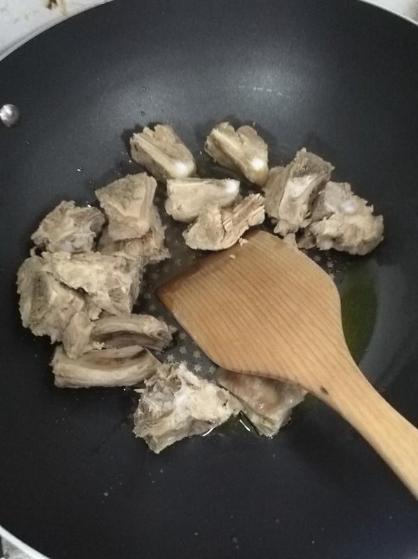 藕块炖排骨的简单做法