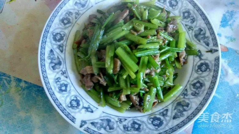 芹菜炒肉丝的简单做法