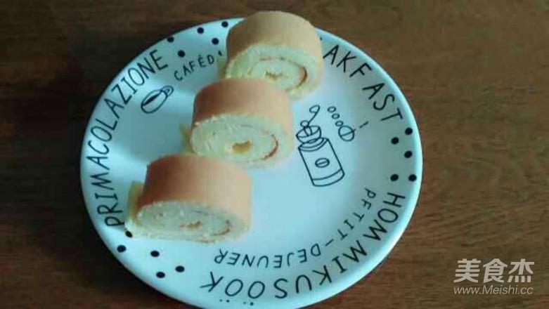 原味蛋糕卷成品图