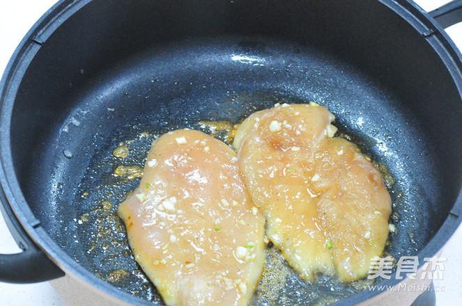 香蒜蜂蜜煎鸡扒怎么吃