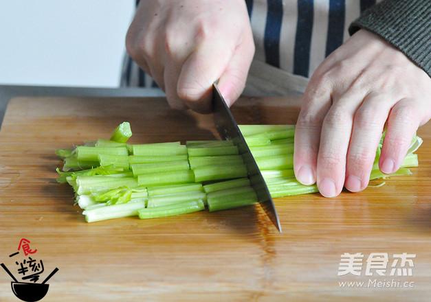 酸汤水饺的做法大全