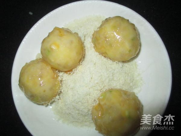 土豆泥虾球怎样煸