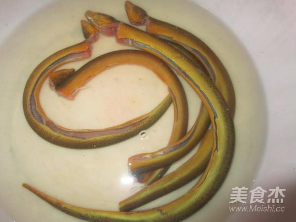 火腿片炖黄蟮的做法大全