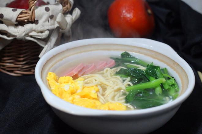 鸡蛋蔬菜灌汤面怎么煮