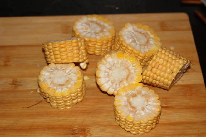 笋尖玉米排骨汤的家常做法