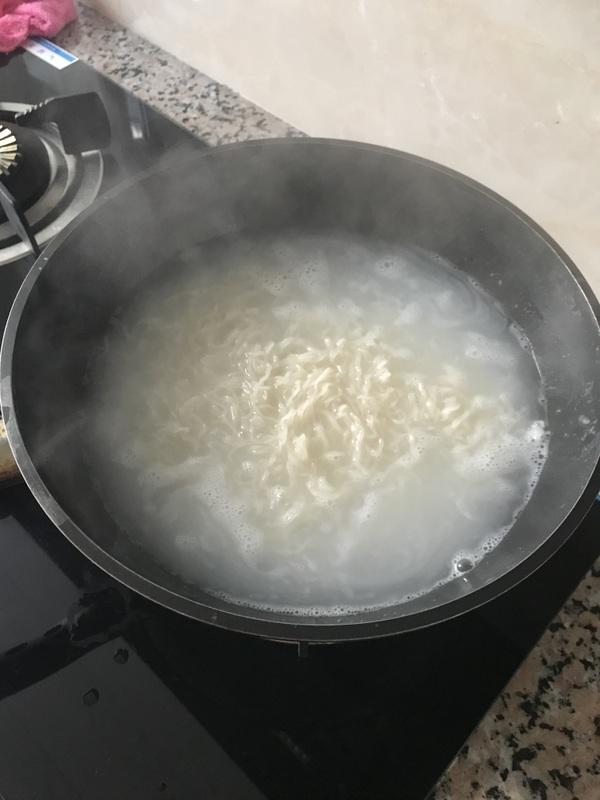 高汤牛肉米线怎样炒
