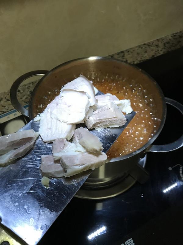 泡菜五花肉芝士锅怎么吃